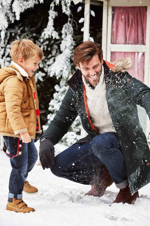 KO PROSUCTIONS HEATONS CHRISTMAS KIDS 2015 02